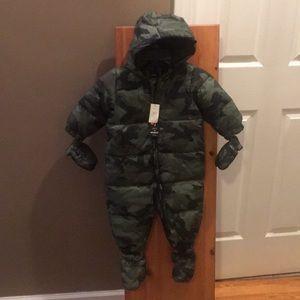 NWT snow suit